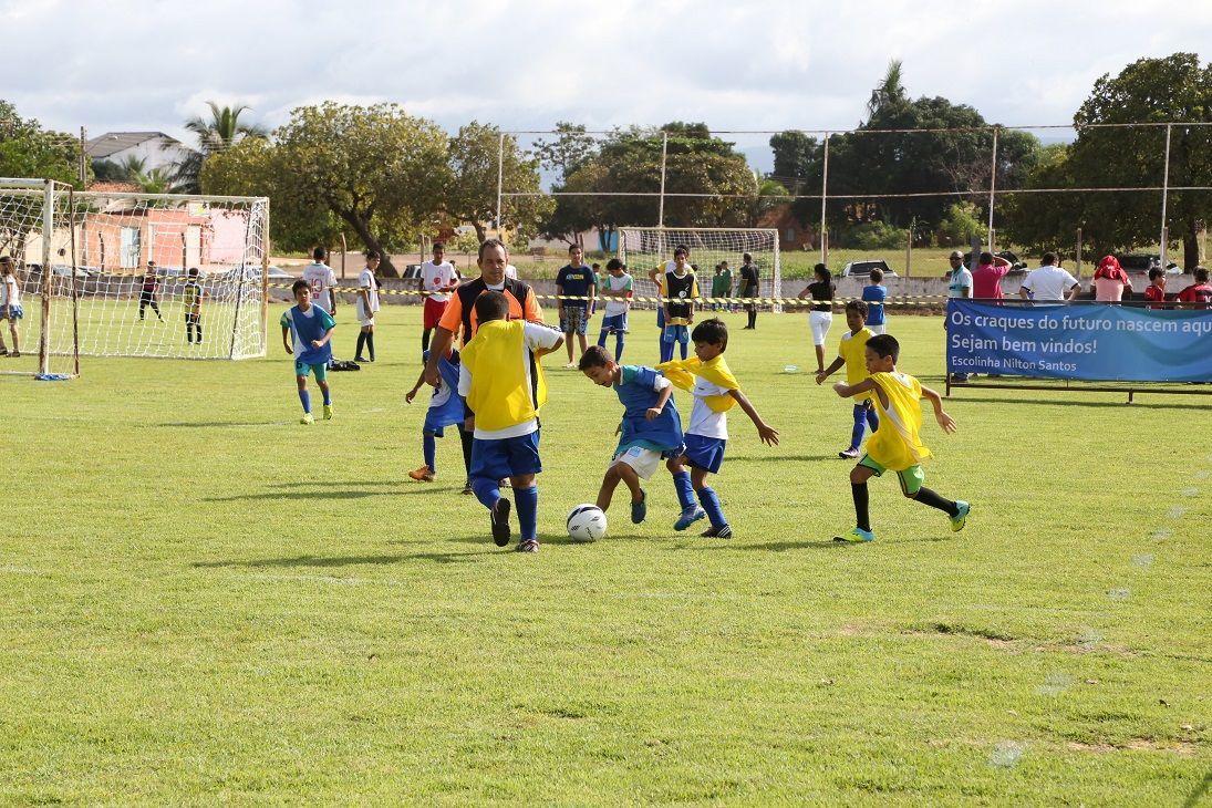 Escolinha Nilton Santos retoma as atividades