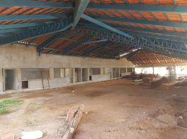Obras paradas causam transtornos a banhistas e comerciantes na Praia das Arnos em Palmas, Tocantins
