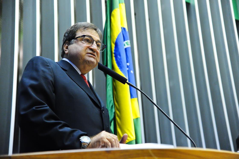 Cesar Halum