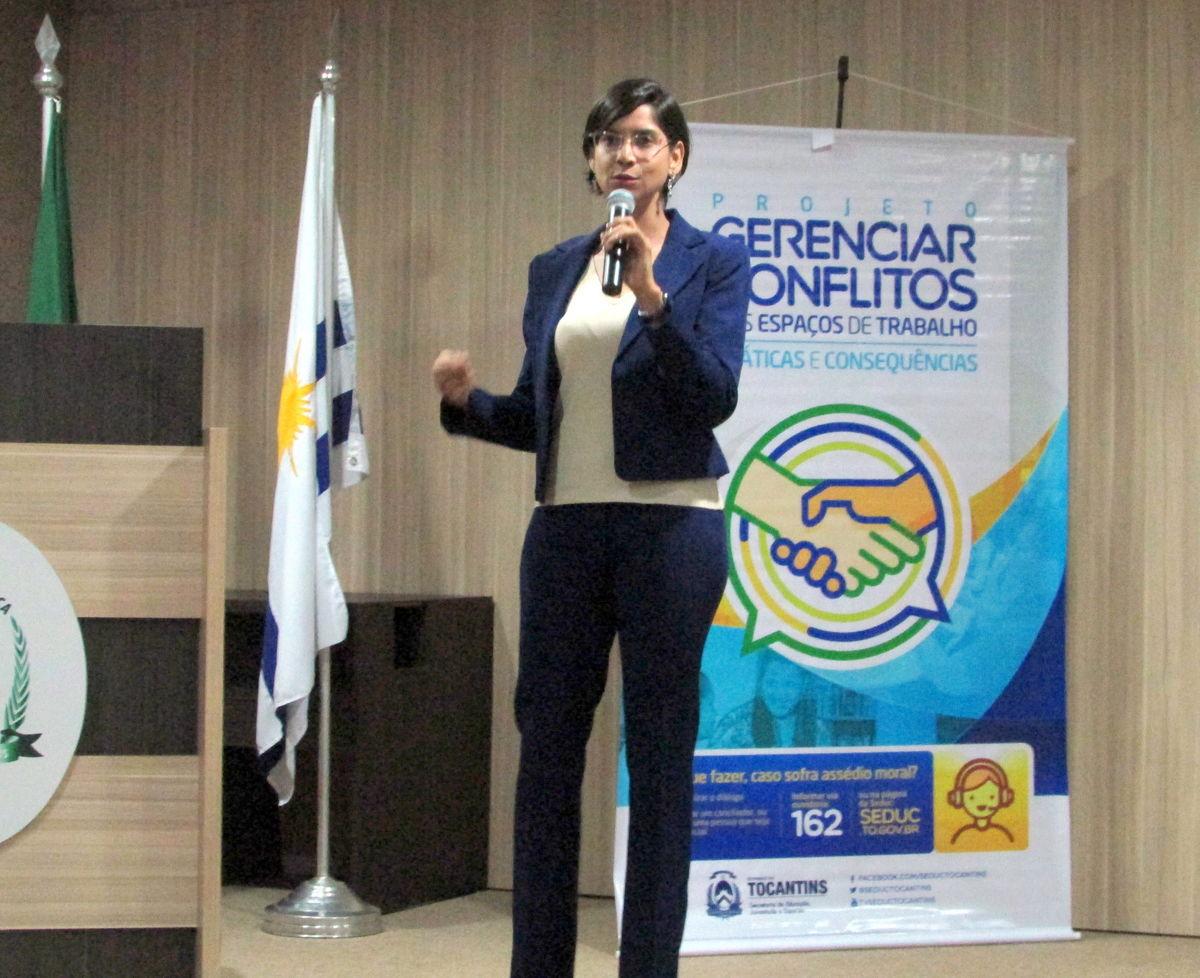 Superintendente de Desenvolvimento da Gestão Educacional da Seduc, Valdete Pagani (Foto: Núbia Daiana Mota / Governo do Tocantins)