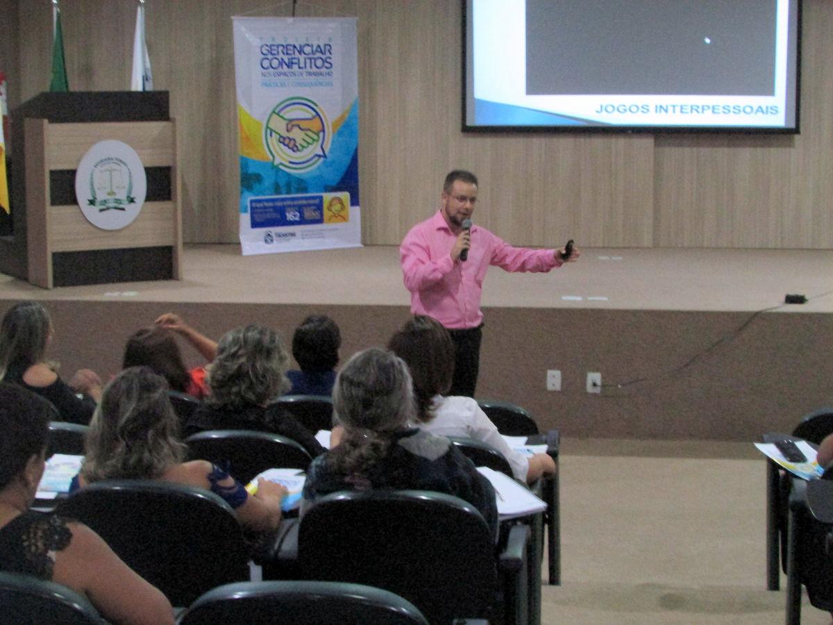Psicólogo Lucas Borges (Foto: Núbia Daiana Mota / Governo do Tocantins)
