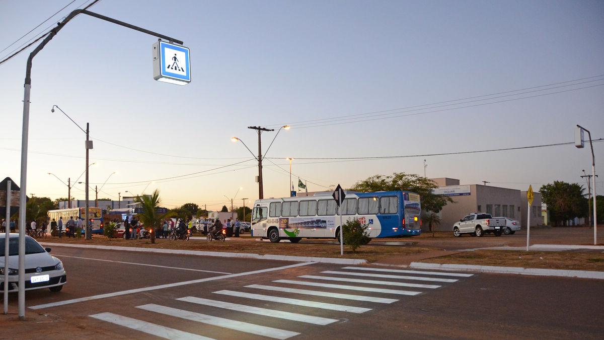 Novos ônibus e Ponto Taquari 22.06.17 JS (313)