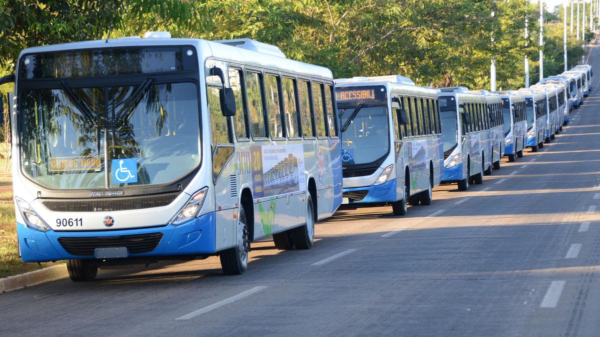 Novos ônibus e Ponto Taquari 22.06.17 JS (422)