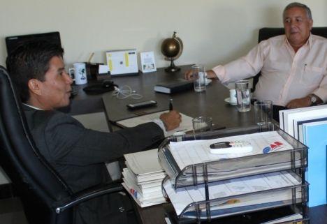 Walter Ohofugi e Carlos Correia em reunião na OAB-TO