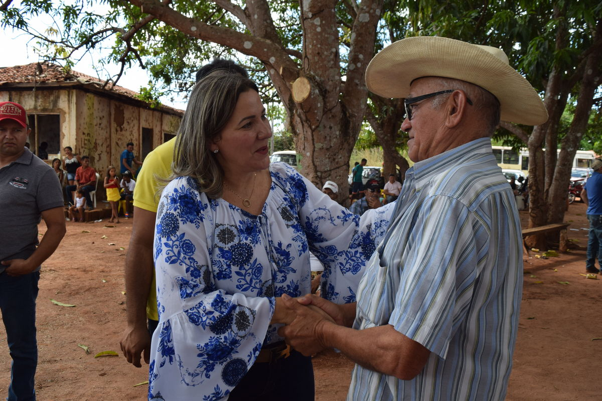 Deputada em visita ao município de Darcinópolis
