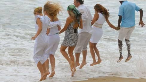 De onde vem o hábito de pular sete onda no ano novo? Descubra! | Gazeta do Cerrado