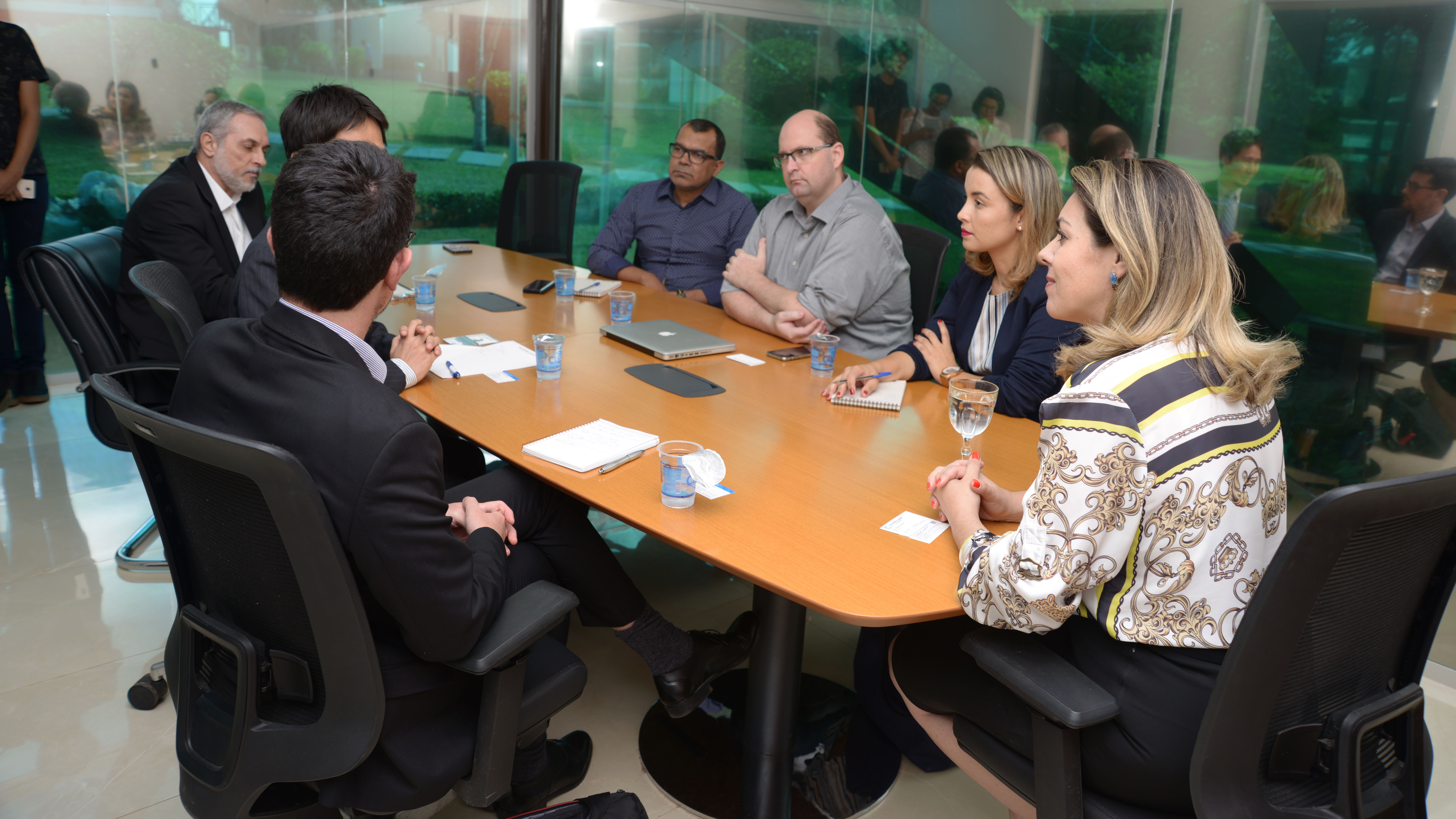 Representantes do Banco Mundial se reúnem com Cinthia Ribeiro