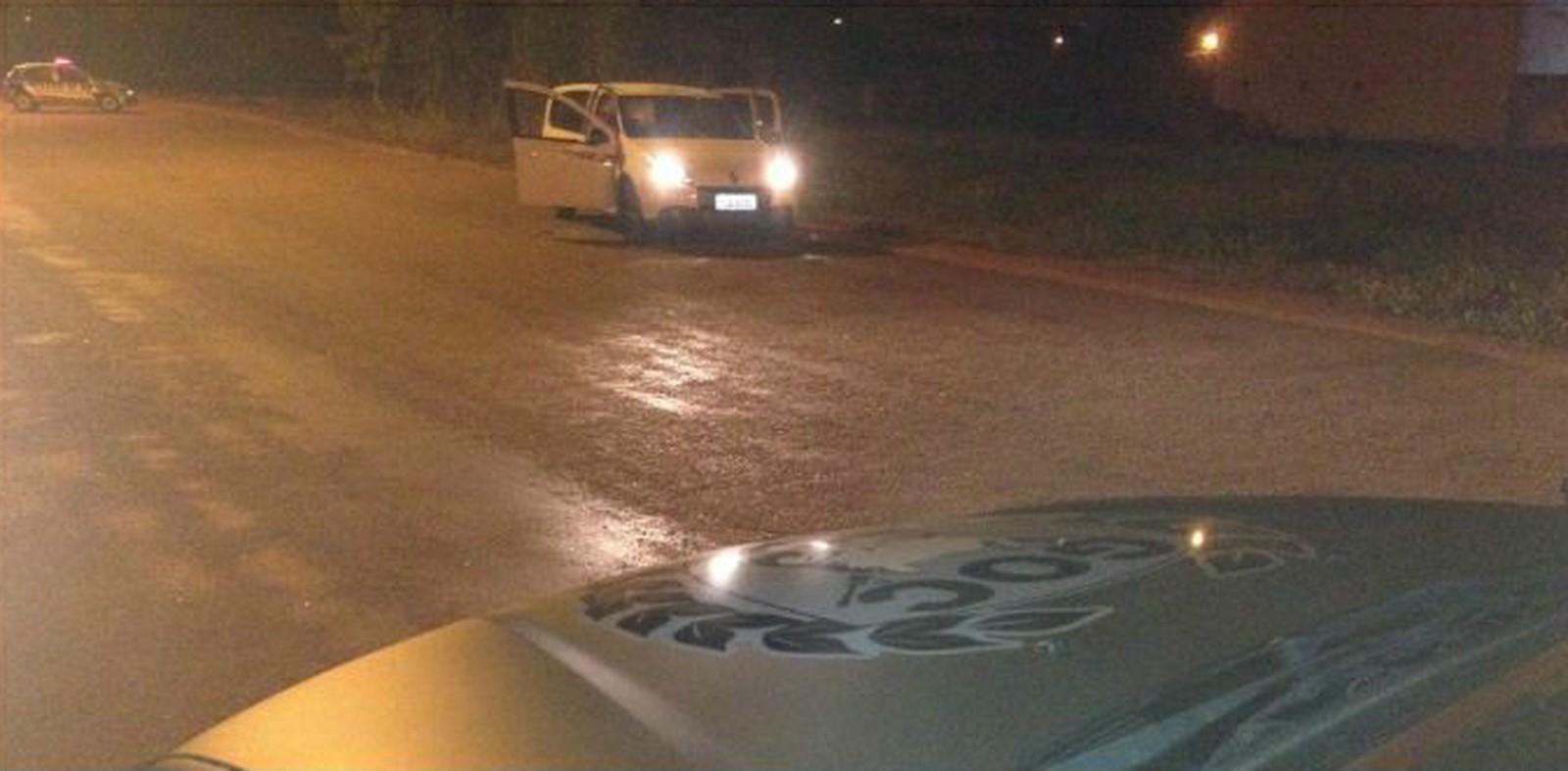 Suspeitos de sequestro seguido por roubo a motorista do Uber morrem em confronto com a PM