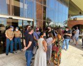 No Palácio: Carlesse ouve donos de restaurantes que saem confiantes em intermediação para solução